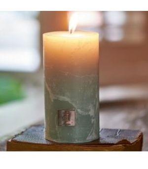 Svíčka Rustic Candle olive green 7x13 cm