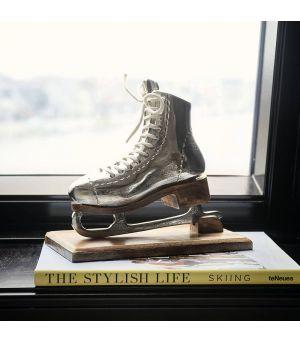Dekorácia Lovely Ice Skate Statue